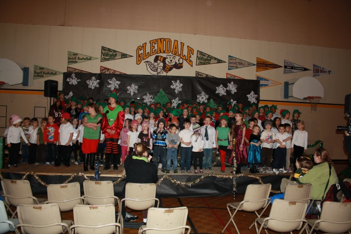 Glendale Elementary's Christmas program dress rehearsal